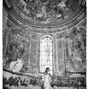 Mireasa la sedinta foto trash the dress | Fotograf nunta Sorin Careba
