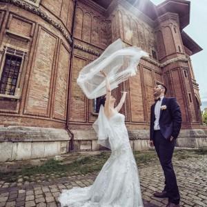 Foto mireasa si mire la nunta - biserica de caramida